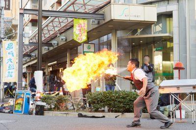 大道芸で亀戸の街に賑わいを! 日曜日と祝日限定、噂の歩行者天国に行ってみた。