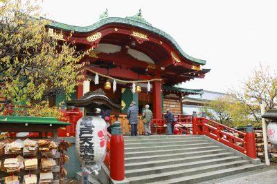 なぜ菅原道真公は「学問の神様」になったの?亀戸天神社で話を聞き、絵馬を奉納させていただいた。